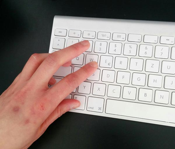 German keyboard layout results often in contorted fingers